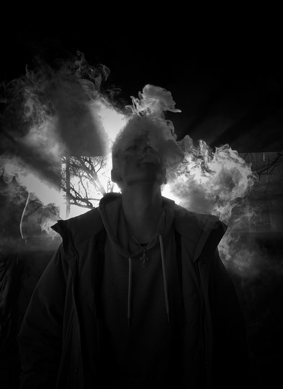 Oppressive haunting, The Horla, Captivated Chat: Super stories!